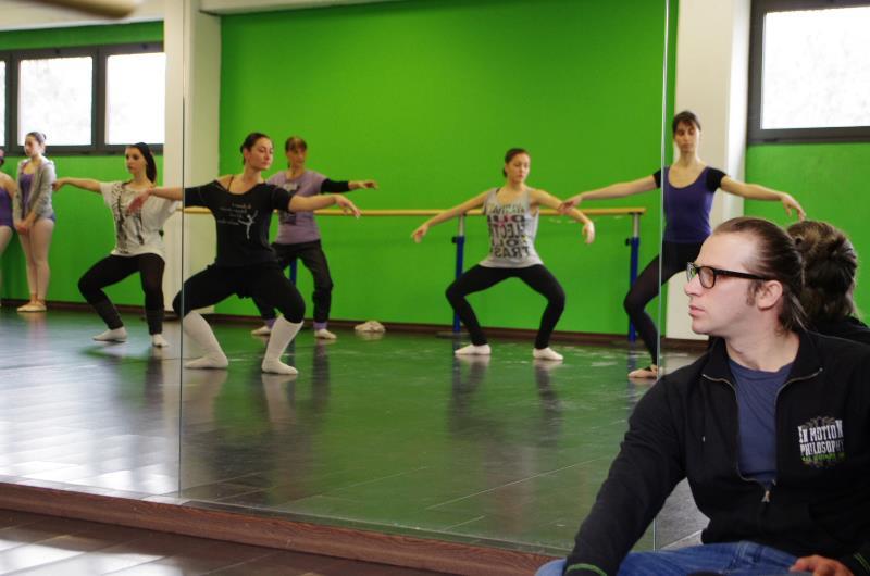 di Danza di Milano, collaboro come direttore e dirigo una scuola di ...