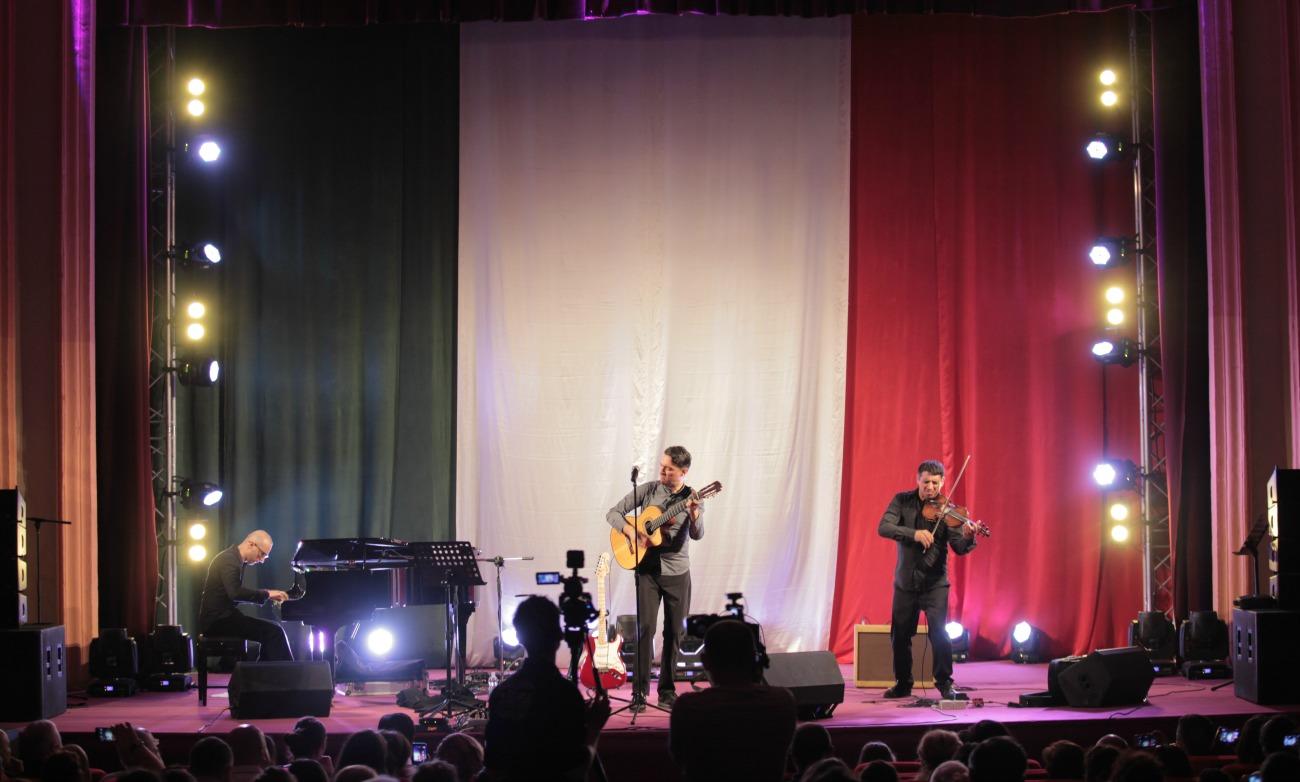 Concerto Together alone presentato a Valona