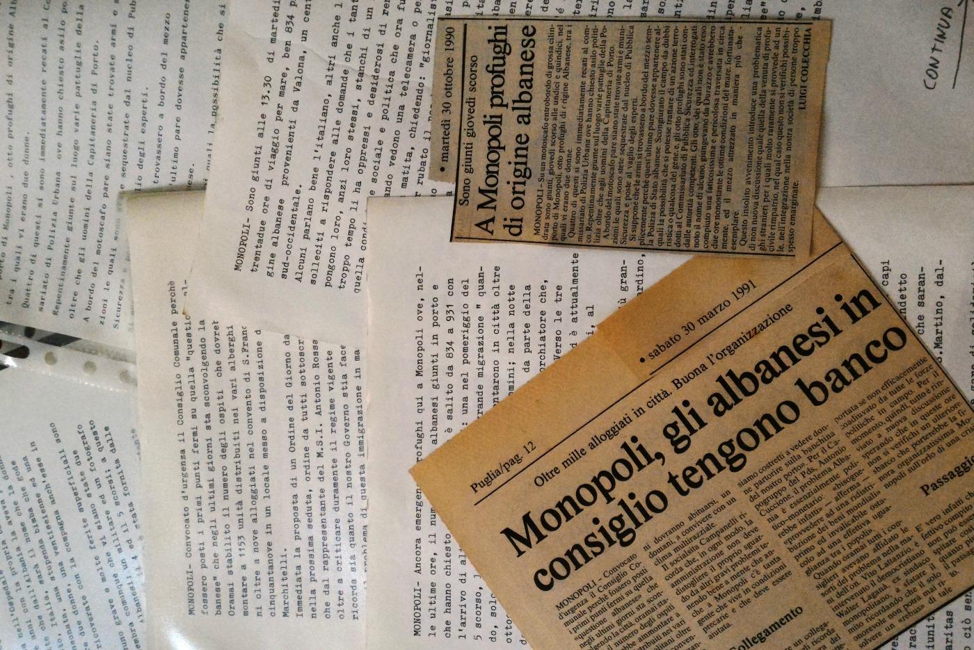 Monopoli Sbarcano Albanesi