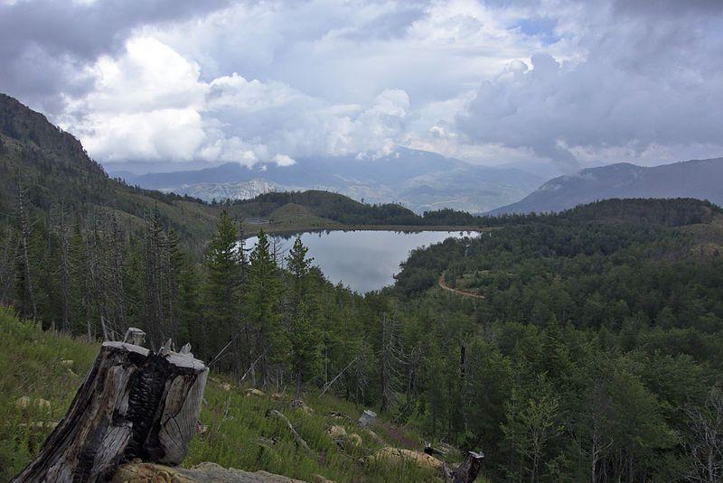 Lurë National Park Liqeni I Madh